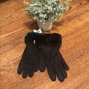 NWT! Black faux fur gloves
